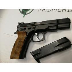 Pistole samonabíjecí ČZ...