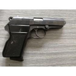 Samonabíjecí pistole CZ 70